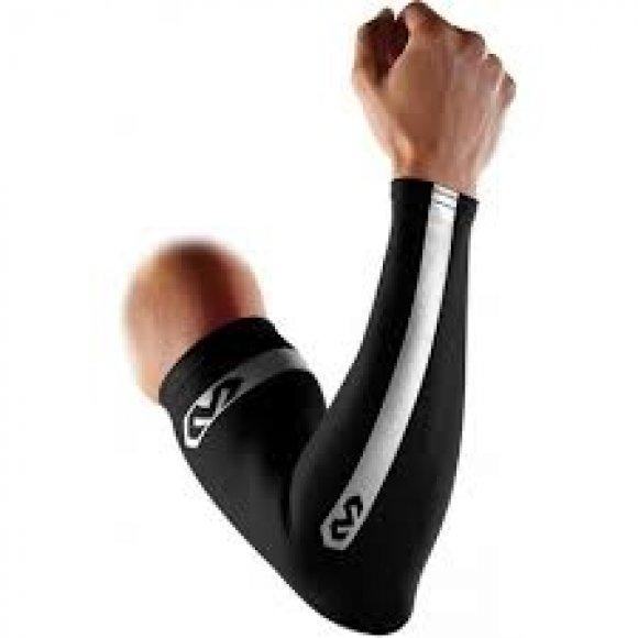 Reflexní kompresní rukáv McDavid 6566RF černá